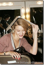 Rosie Huntington-WhiteleyBackstageBetty Jackson (9)