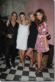 Rosie Huntington-Whiteley Candids 20th Birthday Party (4)
