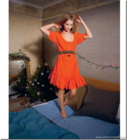 Rosie Huntington-Whiteley Aubin and Wills Christmas 2009 (4)