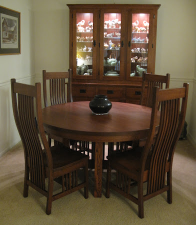 """54"""" Diameter Vail Style Table and Dining Chairs in Mahogany Oak"""