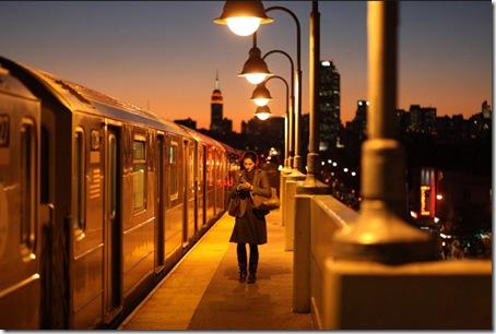 Tren 7 en la estación de la calles 46-Bliss en 2010, por Chan W. Lee para The New York Times