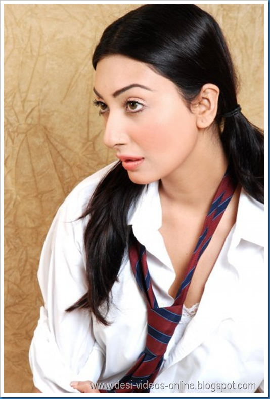 Hot-Ayesha-Khan1