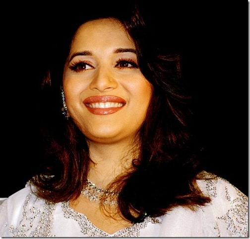 Bollywood-Actress-Madhuri-Dixit (4)