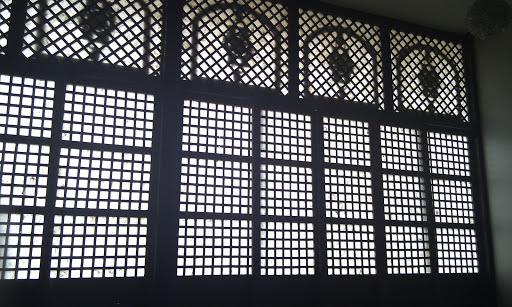 Photo mademoiselle cozy capiz windows of las casas suites for Capiz window