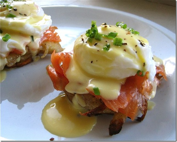 smoked-salmon-eggs-benedict