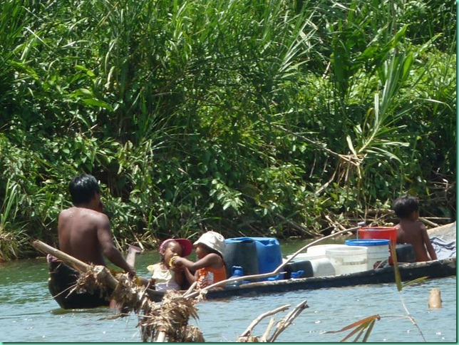 P1030692cayugo kids water rio diablo