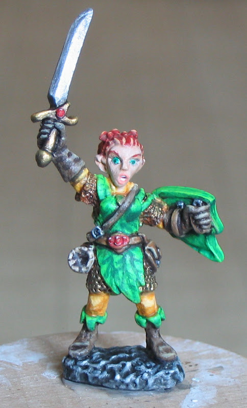 Female%20Gnome%20Fighter%2003441%20Elliwyn%20Heatherlark%2C%20Gnome%20Bard%20Derek%20Schubert%20-%20Painted.1%20-%20Cropped.JPG