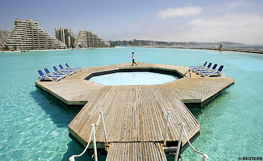 World's Largest Swimming-Pool
