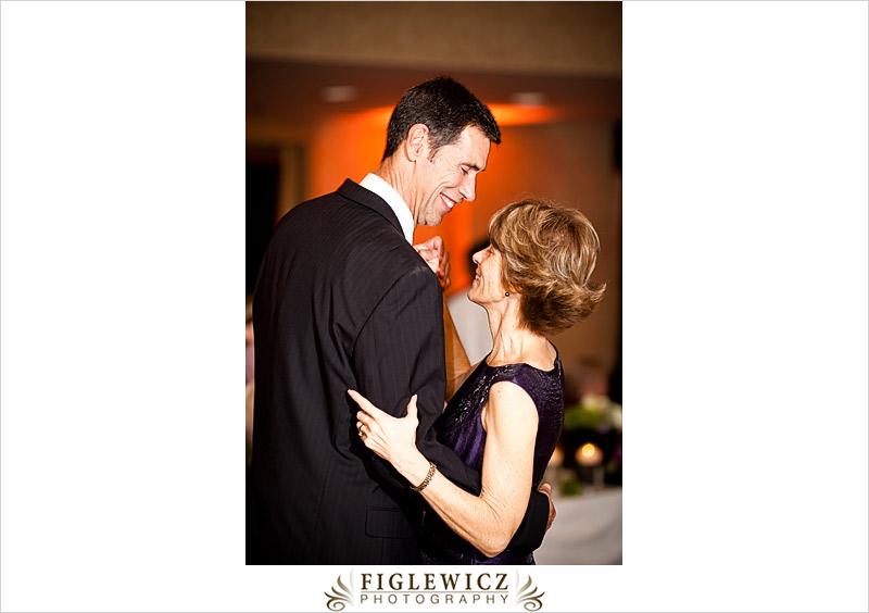 FiglewiczPhotography-AnneandPete-CrownPlaza-0104.jpg