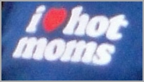 Hot-Moms-Detail