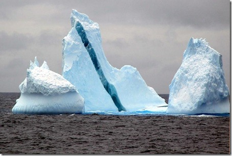 Striped Icebergs - Amazing Nature Photos (4)