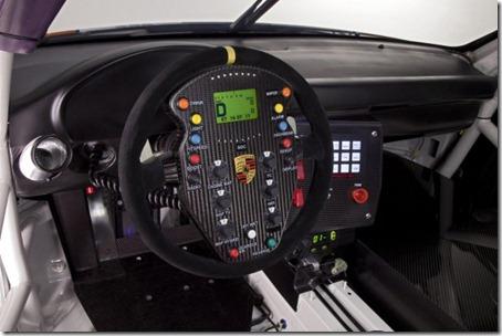 2011-Porsche-911-GT3-R-Hybrid-Cockpit-View