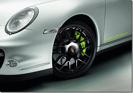 2011-Porsche-911-Turbo-S-Edition-918-Spyder-Wheel-View