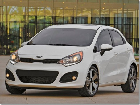 2012-Kia-Rio-5-Door-Hatchback-Front-Side-View