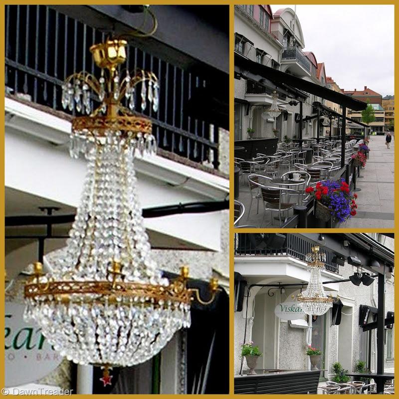 2010 06 café chandelier