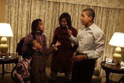 Obama family.jpg