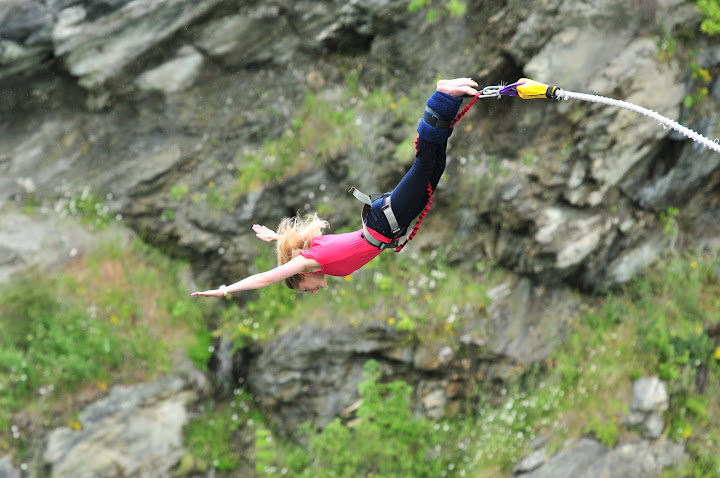Bungy jumping from Kawarau Bridge