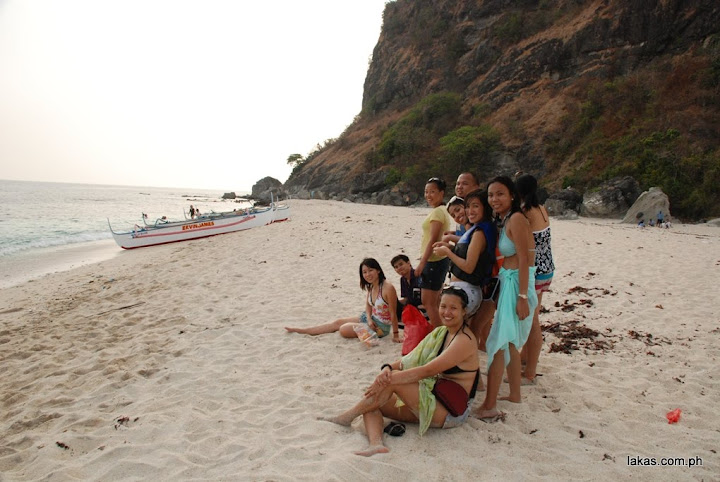 group pic in capones island