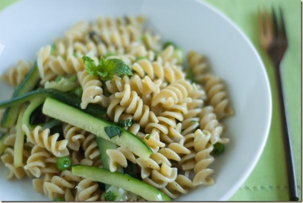 zucchini pea pasta 1