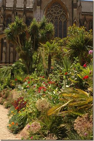 arundel castle garden 007