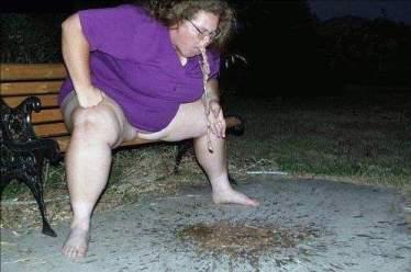 http://lh4.ggpht.com/_fw7iF68JR8k/TOHxmQfpF2I/AAAAAAABdRc/6RO8Kkk7N-g/fat_woman_vomit.jpg