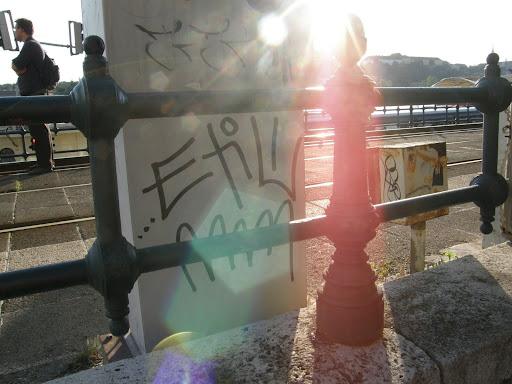 etil, Budapest,  street art,  Duna-korzó, etil, matrica,  tag,  teg,  writer,  vandalizmus,  firka