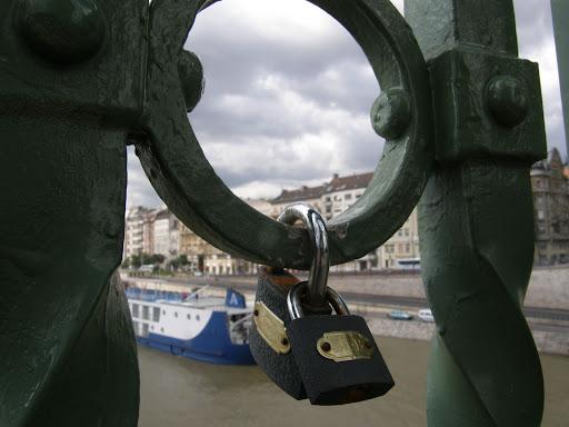 Budapest,  blog,  Szabadság híd, lakat,  szív hangja