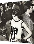 Dalila Puzzovio en vernissage instituto Di tella año 1965. Gentileza: Dalila Puzzovio