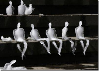 global_warming_ice_sculptures4