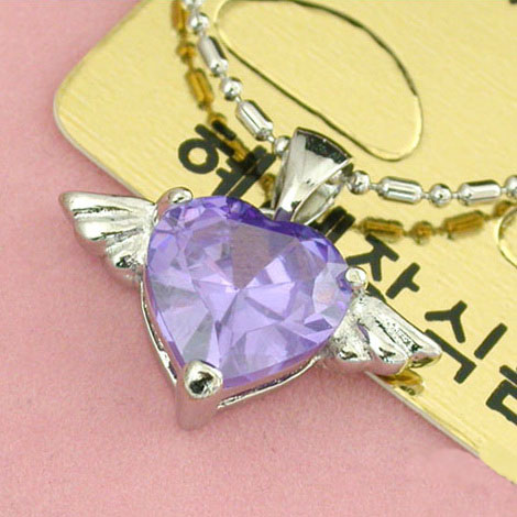 heart-crystal-necklace-10001702.jpg