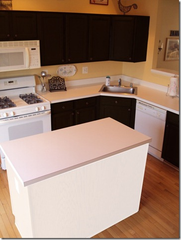 kitchen white island