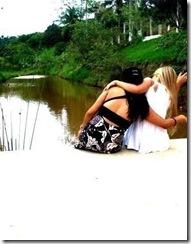 Fotos fakes de amigas de costas