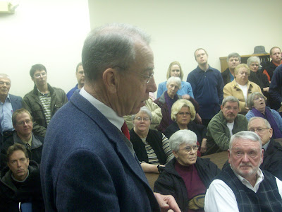 Grassley addresses the crowd during a town hall meeting in Kalona (1/13/10) - KCII News