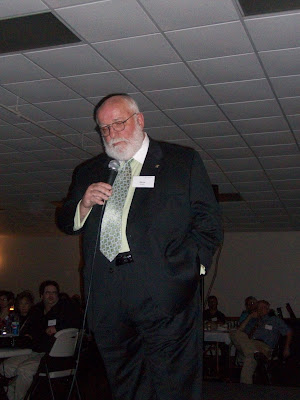 Dave Stoufer giving his speech during the chamber dinner (KCII NEWS)