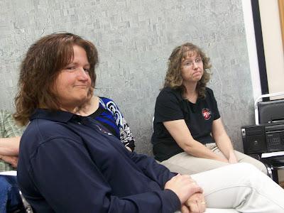 Sandra Lovetinsky (Front) and 911 Supervisor Cara Sorrells at the 4-6-10 Board of Supervisors meeting (KCII News)