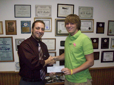 2010 KCII Business to Business Scholarship winner Bryce Shelman of WACO High School and General Manager Joe Nichols