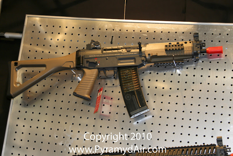 Airsoft Guns, ICS, Shot Show 2011 News Updates, Shot Show 2011 ICS Booth, ICS Sig 551, ICS Sig 552,Airsoft AEG, Sig Sauer,Automatic Electric Gun,Pyramyd Air, Pyramyd Airsoft Blog, Airsoft Obsessed, Airsoft Blog