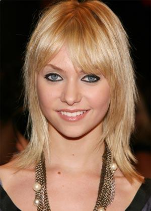 evanna lynch anorexia. medium hair length hairstyles.