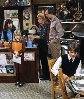 FAMILY TIES -- Pictured: (l-r) Justine Bateman as Mallory Keaton, Tina Yothers as Jennifer Keaton, Meredith Baxter Birney as Elyse Keaton, Michael Gross as Steven Keaton, Michael J. Fox as Alex P. Keaton -- Photo by: Paul Drinkwater/NBCU Photo Bank .