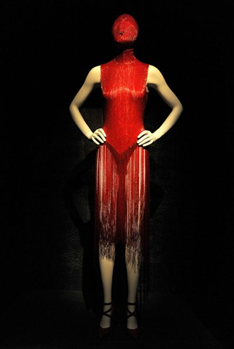 Alexander McQueen Savage Beauty Costume Institute I_6S8k5HSPDl