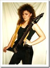 linda guitar (2)