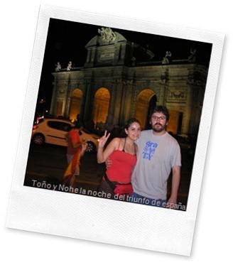 Mi novia y yo en Cibeles celebrando el mundial