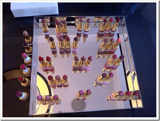 Estee-Lauder-Spring-2011-Pure-Color-Lipstick-presentation