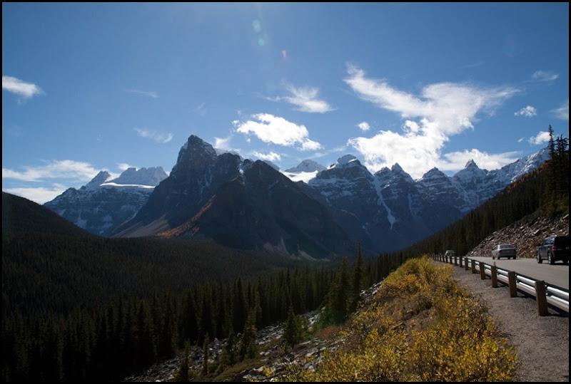 Road to Moraine Lake