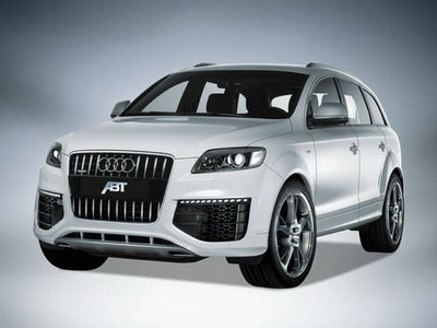 Updated off-road car Audi Q7