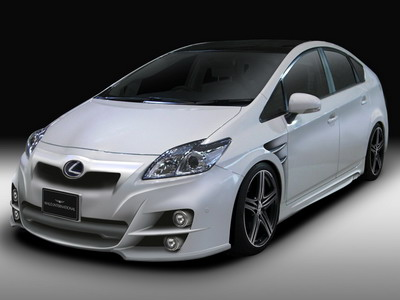 Tuning studio Wald has finished a hybrid Toyota Prius