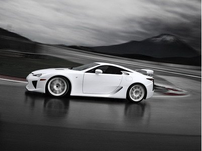Supercar Lexus LFA will receive the track version