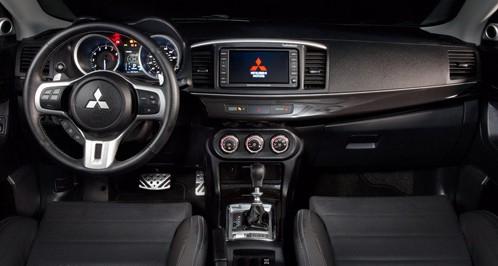 Mitsubishi Lancer Evolution interior