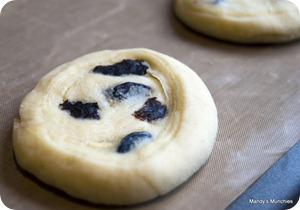 Unbaked Danish pastries - Raisin Wheel