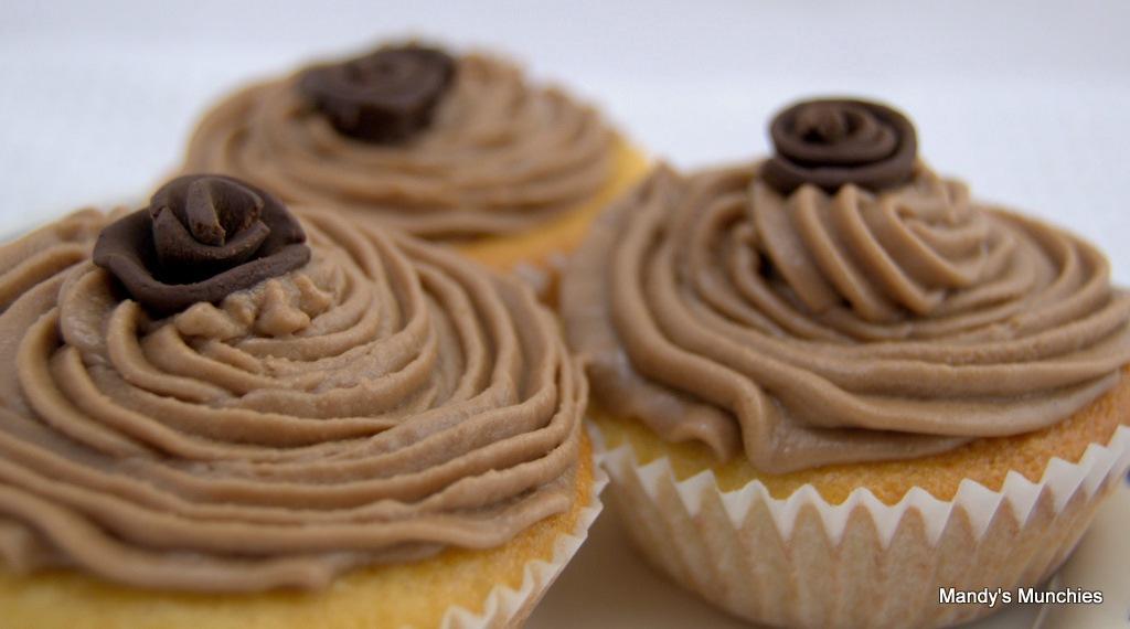 [Chocolate rose cupcakes[2].jpg]
